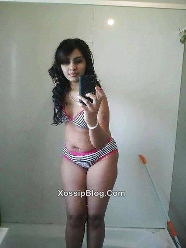 Pakistani Slut From Manchester Nude