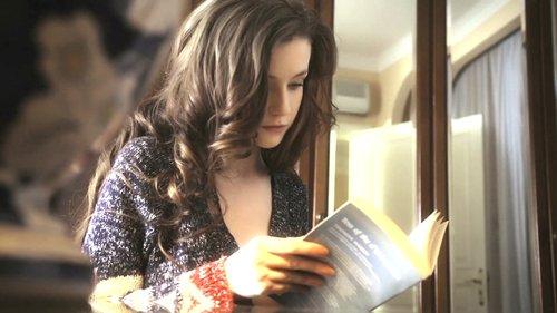 烏克蘭童顏巨乳精靈般的美少女Emily20部影片+3套寫真