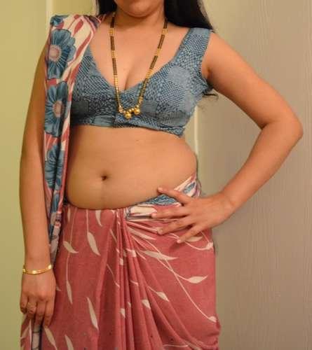 Desi Bhabhi Naked Shows Her Hairy Pussy Boobs
