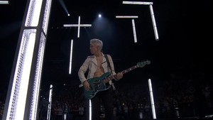 U2 - Innocence + Experience Tour - AccorHotels Arena, Paris, France ( 07/12/2015) [HDTV 720p]