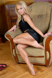 In Pantyhose Bathed 92