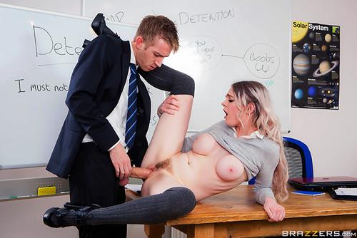 секс смотреть ученик с учительницей