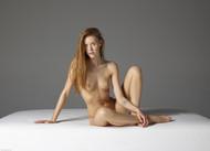 Artsy nude good