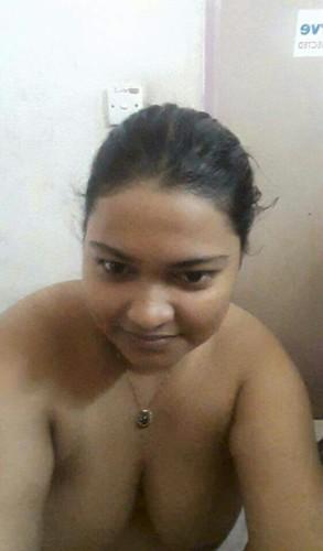 Desi Bhabhi Ke full Nude Mast Mamme Xxx photos