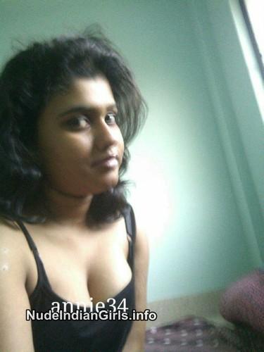 Beautiful Desi Girls Exposing Their Full Nude Pics
