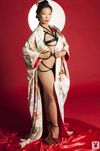 фото голые гейши