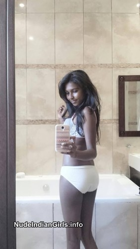 Indian Hot College Girls Full Nude Sexy Busty Boobs