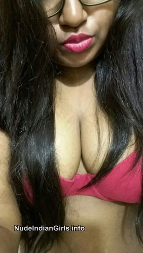 Beautiful Mumbai Erotic College Girls Sexy Boobs