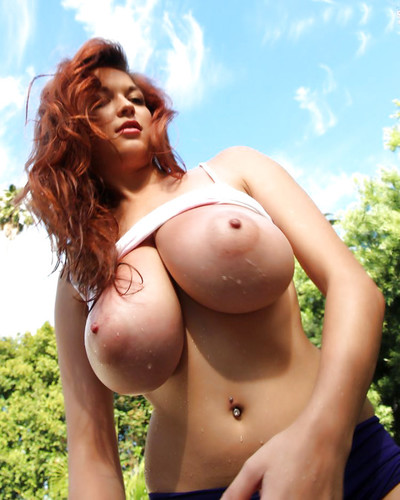 Бесплатные голые сисястые фото