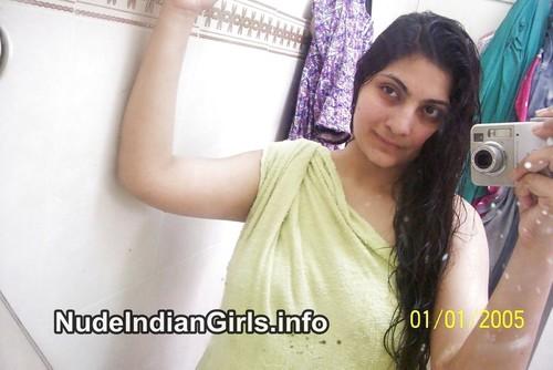 Indian Girl Nude in Bathroom Sex Pics