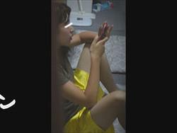 tom020 とんぼ【美女達の私生活に潜入】リアル盗撮 ピアスが可愛い一人暮らし女子大生の部屋ヌード