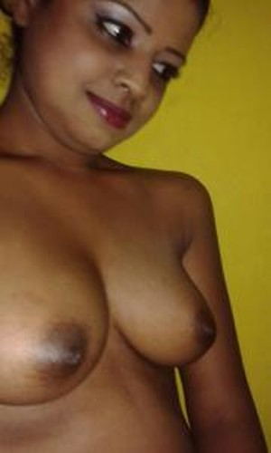 Nagpur College Girls Shows her Nude Boobs
