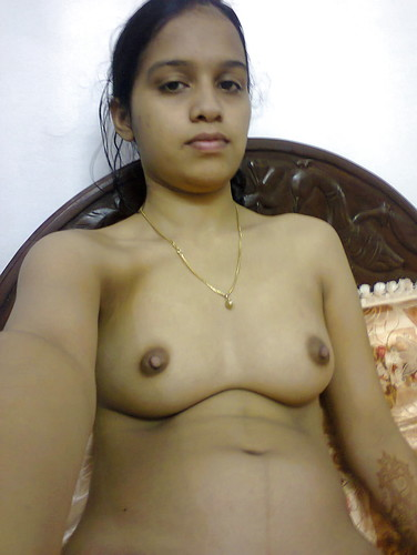 Horny Kerala Girl Taking her Nude Photos