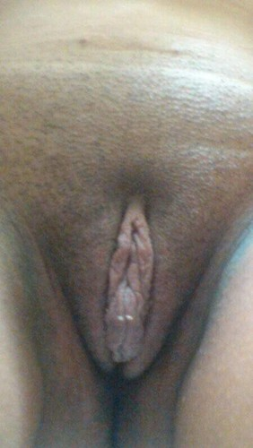 Horny Indian Wife Shows her Nude Pussy Hole