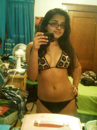 hphfbwmonu8a t Noida Chubby Young College Girls Nude Hostel Room
