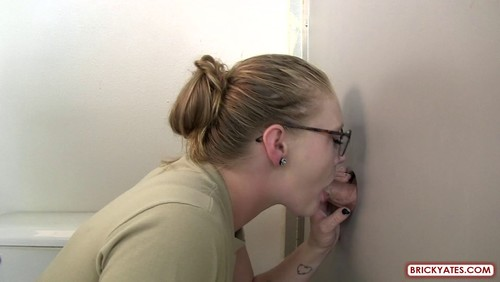 Rachel – Army Female Soldier Fell in Love with the Glory Hole