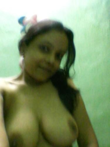4iz2ie8w3cra t Big boobs display by hot desi girl