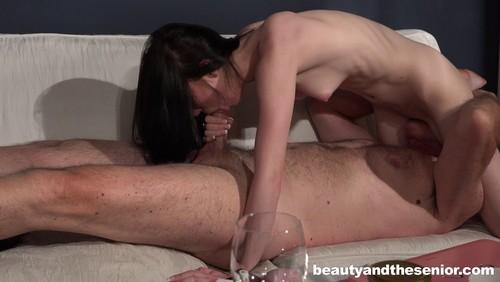 Beauty And The Senior : Mia Evans