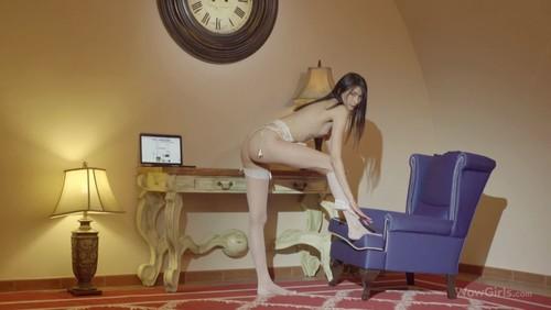 WowGirls – Cherchez La Femme – Anna Jolie