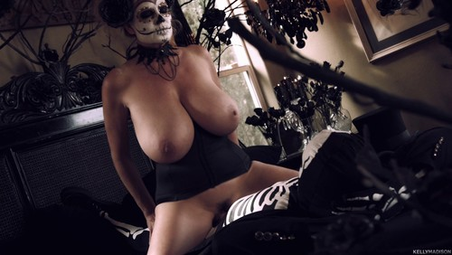 Kelly Madison : Day Of The Dead