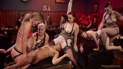 Dyke Bar – LIVE !!!