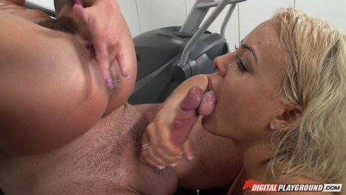 Adriana Chechik & Luna Star – The Wettest Workout
