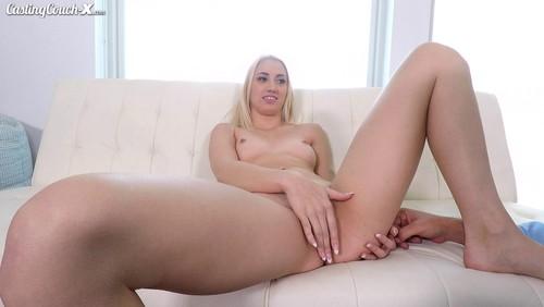 Casting CouchX : Sierra Nicole