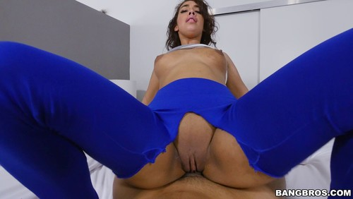 Kitty Catherine – Ripping Kitty's Yoga Pants to free that Big Bootie
