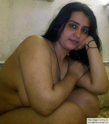 indian wife bathing