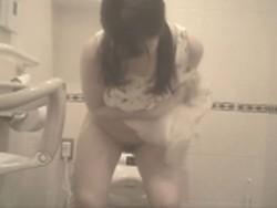 【投稿作品】女子大生やOLのティーンガールのトイレ覗き‼ File20