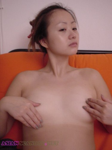 Lovely Korean wife having sex leaked