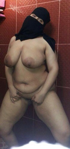 Light skin girls titties webcam