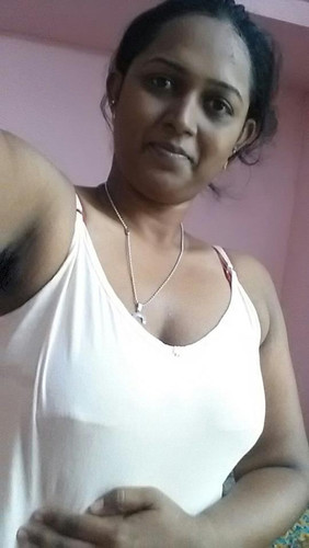 Mallu Horny Wife Nude Pics Posing Mamme And Pussy  Indian -7754