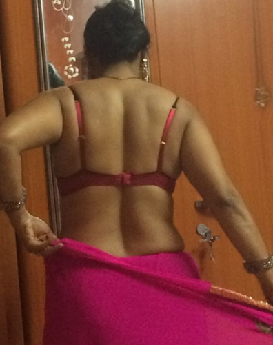of aunties nude back indian