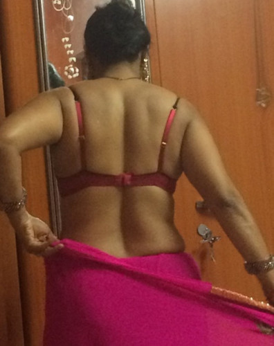 saree nude ass desi