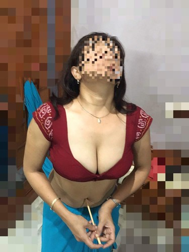 saree blouse boob navel bhabhi