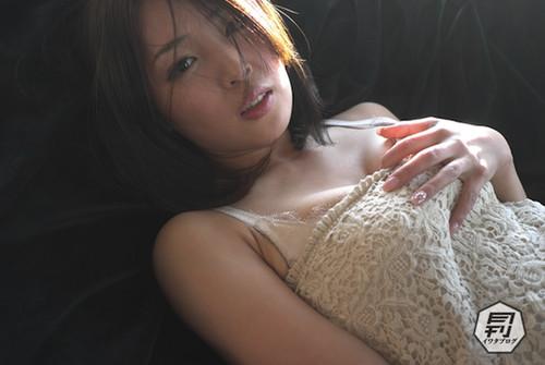Ex-SDN48 member Machiko Tezuka bares all!