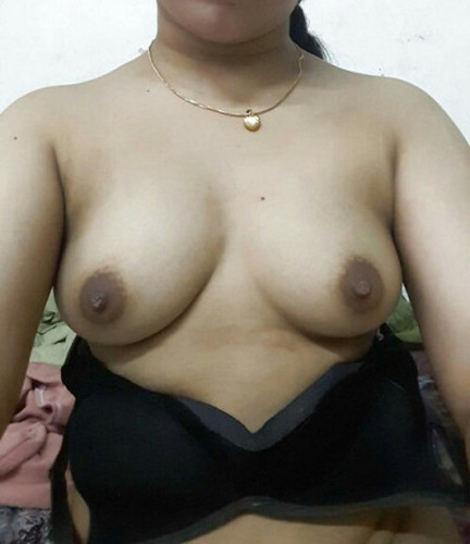Aunty removing bra that necessary