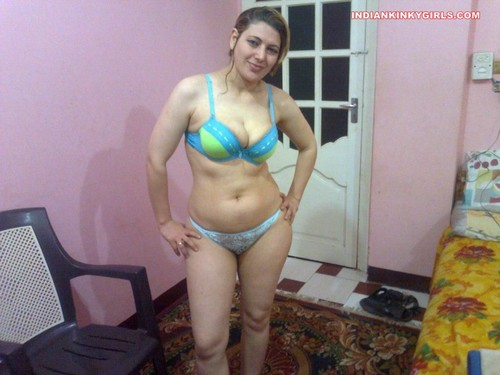 Kashmiri Pandit Bhabhi Super Hot Sexy Photos  Indian Nude -7502