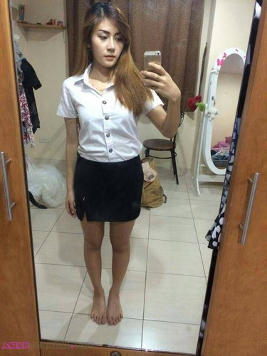 Thai teen with perfect tits on AsianScandal.Net