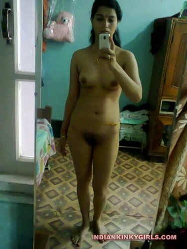 The mature indian nude women showing ihere clean saved pussy me! She